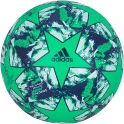 Bolas de Futebol Campo Penalty e Adidas