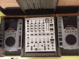 Cdj pioneer dmp 555 + mixer 4 canais behringer djx 700