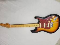 Guitarra strato Tagima + Cubo Amplificador Fender 10G