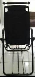 Cadeira de fazer abdominal e bicicleta.