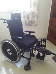 Cadeira de rodas 2400