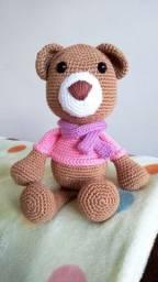 Urso amigurumi feito em crochê