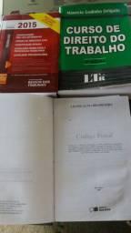 3 livros de direito. Em boas condições.