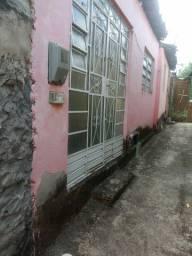 Casa bem localizada (prox à prefeitura e à prç da lagoa )