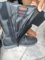 Vendo bota e jaqueta de motoqueiro
