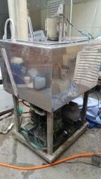 Máquina de fazer picolé