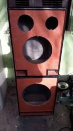 Caixa trio para alto falante de 12' e caixa para alto falante de 15'