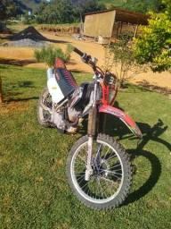 Vendo ou troco Moto XR 200 R R$3.500,00