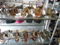 Grande lote de sandalias
