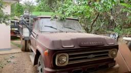 Vendo caminhão c60 chevrolet brasil  1973 a gasolina 6cc reliquia todo original