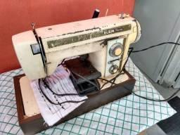 Máquina de costura Elgin Zig zag-Usada