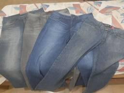 Super promoção: 4 calcas jeans por apenas 100,00 tamanho: 42 vindo buscar!!