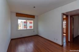 Vendo apartamento 2 dormitórios amplo e com garagem coberta no São Sebastião