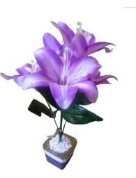 Planta Lírio Lilás Decorativa + Vaso