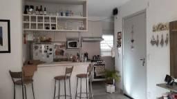 Ótimo Apartamento 2 Dormitórios com Pátio e Box Privativo, Centro, Esteio