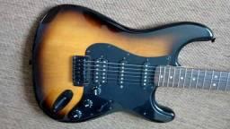 Squier by Fender Bullet Strat Trem HSS 2TS BLK HDW