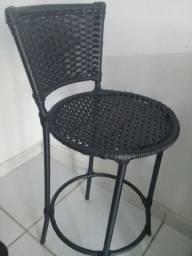 Vendo uma cadeira para balcão