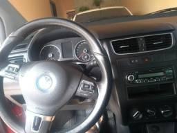 Assumo financiamento carro SUV. Coloco Fox 2011 no negócio