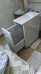 Balcão, armário pequeno p banheiro com gavetão, papel higiênico