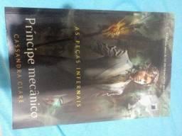 Vende-se livros da Saga Peças Infernais