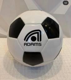 Bola de Futebol Adams