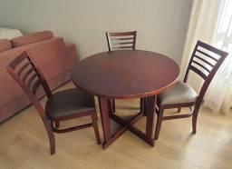 Mesa de Madeira + 4 cadeiras