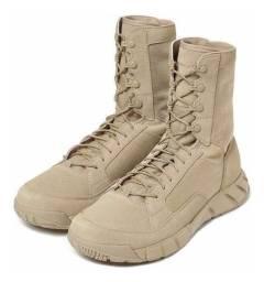 Bota Oakley Light 2 Assault Boot Desert Bege Num 40