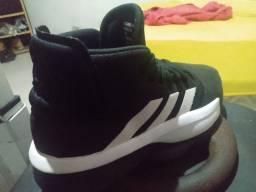 Tênis Adidas Cloudfoam Basketball