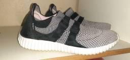 Tênis e sapatos tênis