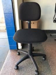 Cadeira giratória modelo secretaria
