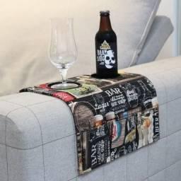 Bandeja esteira para braço de sofá c portas copos