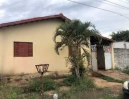 Casa 03 quartos / R$ 80.000 / Aceita carro