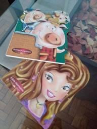 2 livros de histórias novos, Os três porquinhos e Bela adormecida R$30,00