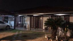 Linda casa, 300m² de construção, lote 500m², Bairro Sta Monica