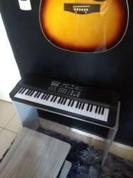 Teclado música Semi novo c/mesinha