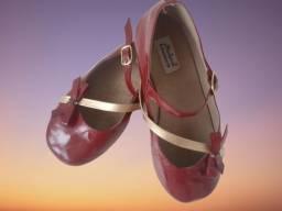 Lote de calçados infantis Leia Descrição