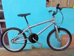 Bicicleta infantil aro 20 impecável revisada sem defeito