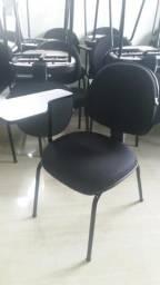 Cadeira estofada com prancheta