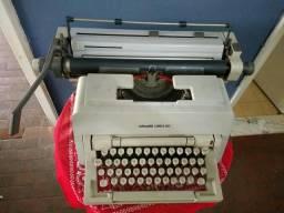 Máquina de escrever Olivetti 98