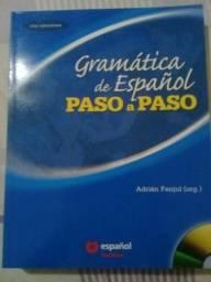 Livro gramática de Espanõl passo a passo.