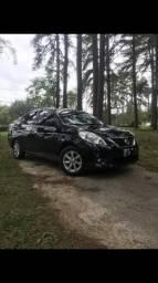 Nissan Versa SL completo - 2014