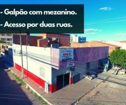 Loja / Galpão na Av. principal do bairro Maringá - Venda