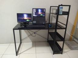 Mesa/Escrivaninha de vidro temperado TokStok