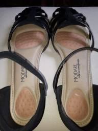 Rasteirinha/sandália Modare Preta Com Fivelas Tamanho 40