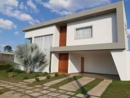 Linda casa de alto padrão em condomínio fechado-Sete Lagoas-Mg( Chame no WhatsApp)