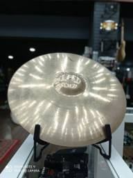 "Ride Zildjian A Custom 20""."