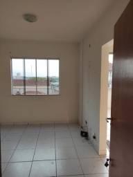 Aluguel de apartamento de um quarto com garagem coberta exclusiva no centro de cianorte