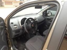 Vende-se Fiat Uno - 2012