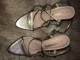 Sandália de salto lindo e novo