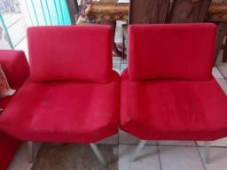 Vendo 2 Poltrona vermelha, conservada